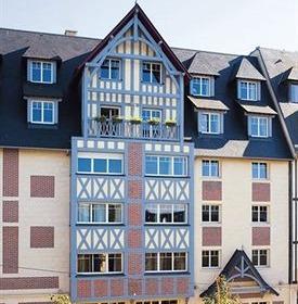 L'Almoria Hotel