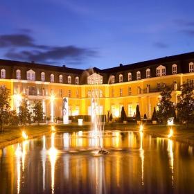 Dolce Chantilly Hotel